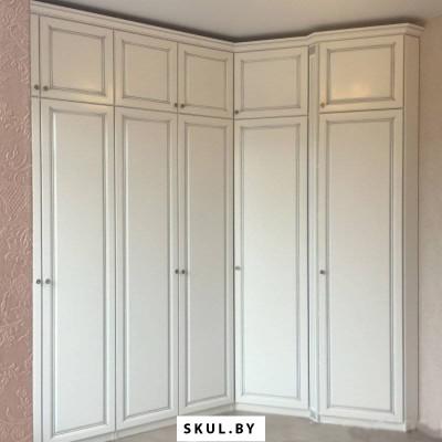 Шкаф «CLASSIC» вклассическом стиле